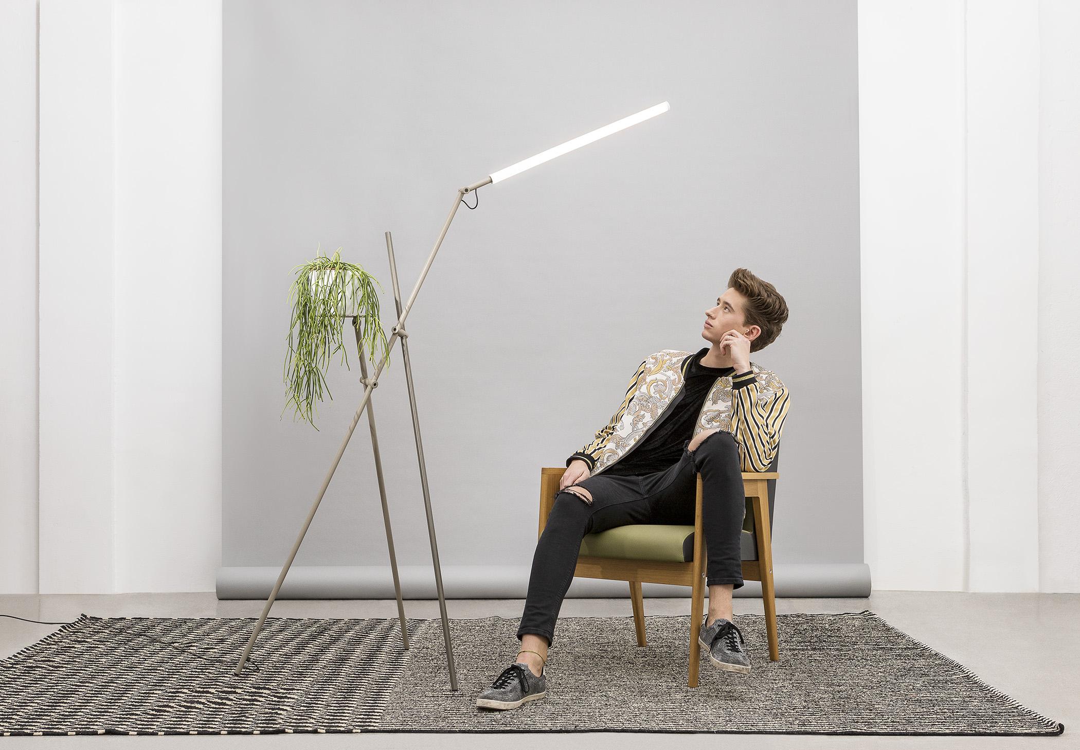 Asana P 3768 Floor Lamp Estiluz Image Ambient 05