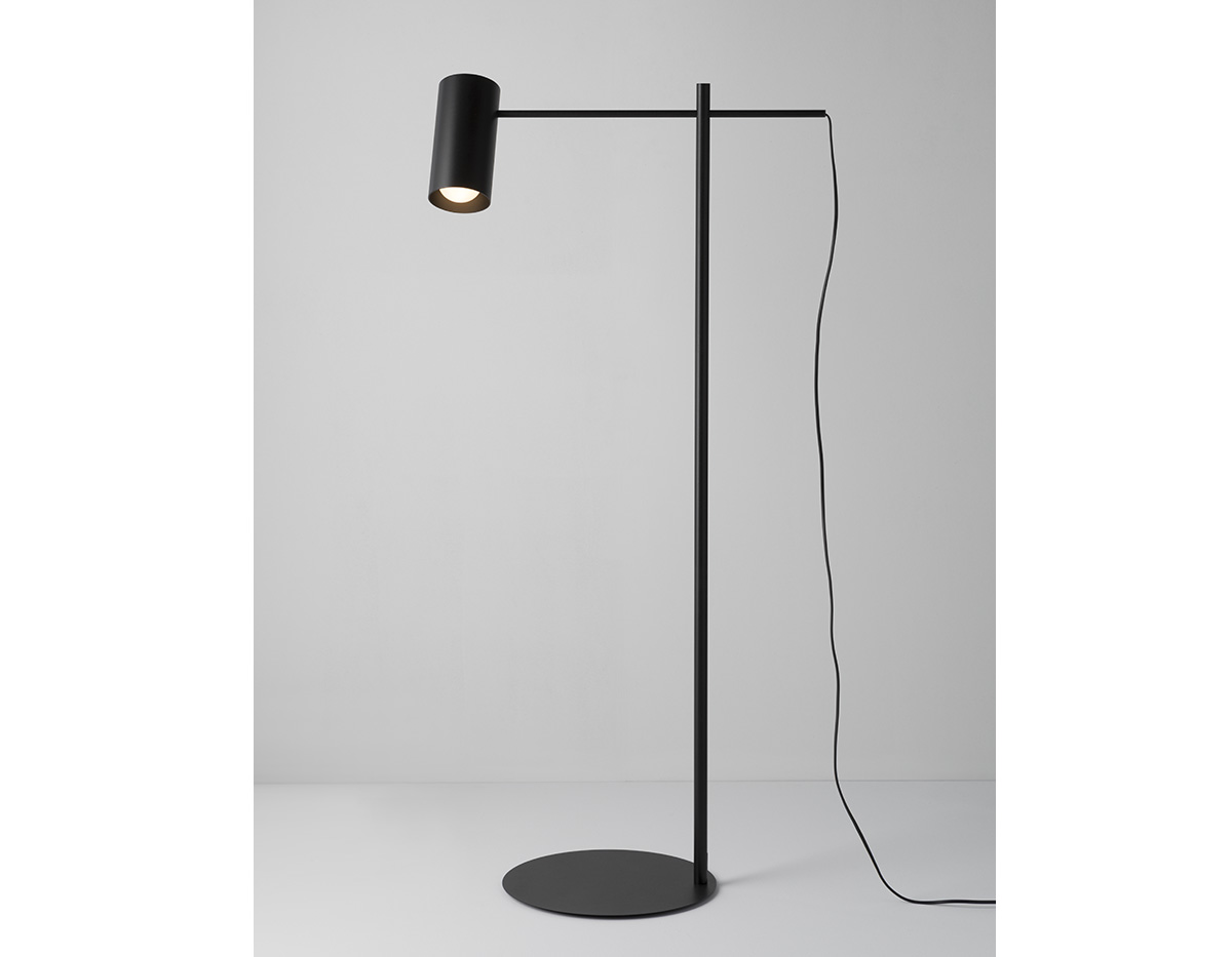 Cyls P 3908 Floor Lamp Product 01