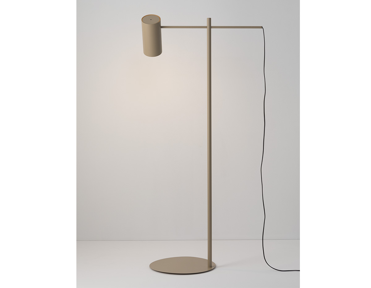 Cyls P 3908 Floor Lamp Product 02